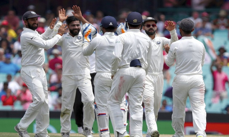 4th Test: Indian bowlers leave Australia struggling at tea on 3rd day Images