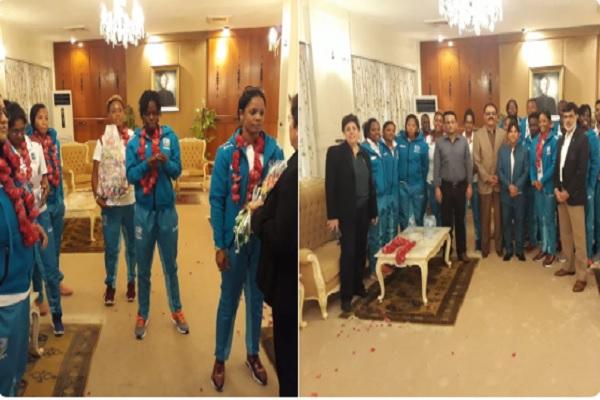टी-20 सीरीज के लिए वेस्टइंडीज महिला क्रिकेट टीम पाकिस्तान पहुंची, ऐसा किया गया स्वागत Images