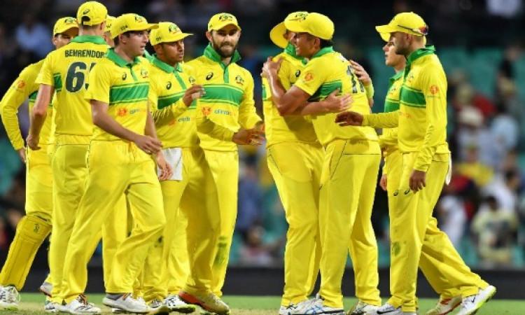 भारत - ऑस्ट्रेलिया वनडे सीरीज से पहले ही फैन्स के लिए आई बुरी खबर, महामुकाबला इस वजह से हो सकता है फ