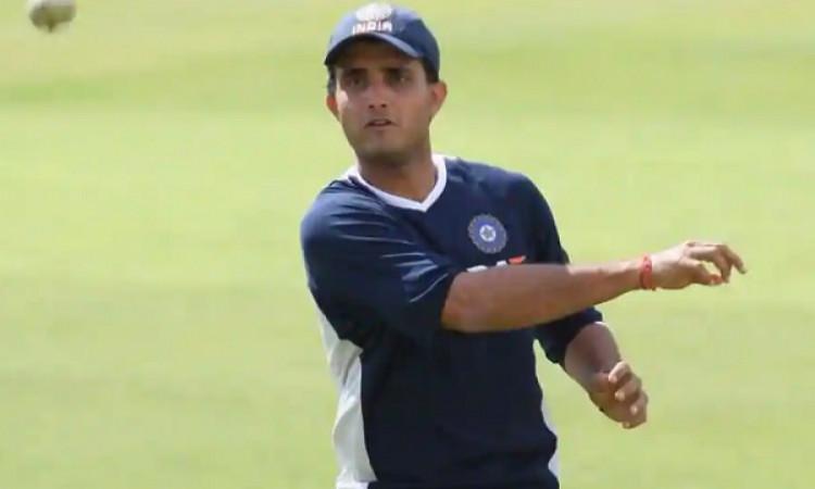 तीसरे टी-20 में धोनी केवल 2 रन बनाकर हुए आउट, उसके बाद गांगुली ने कही बड़ी बात Images