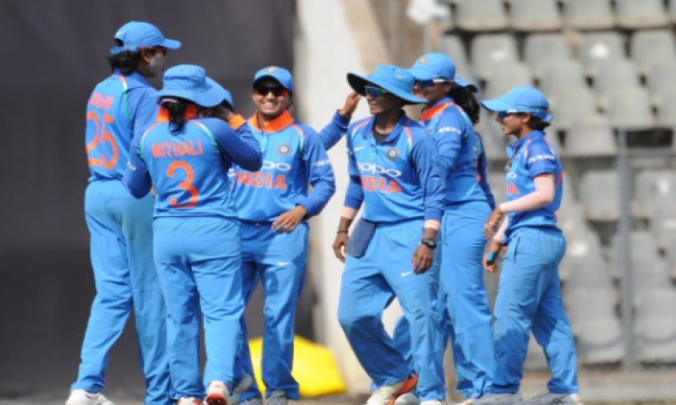 एकता बिष्ट की शानदार गेंदबाजी, भारतीय महिला टीम ने इंग्लैंड को 66 रन से दी पटखनी Images