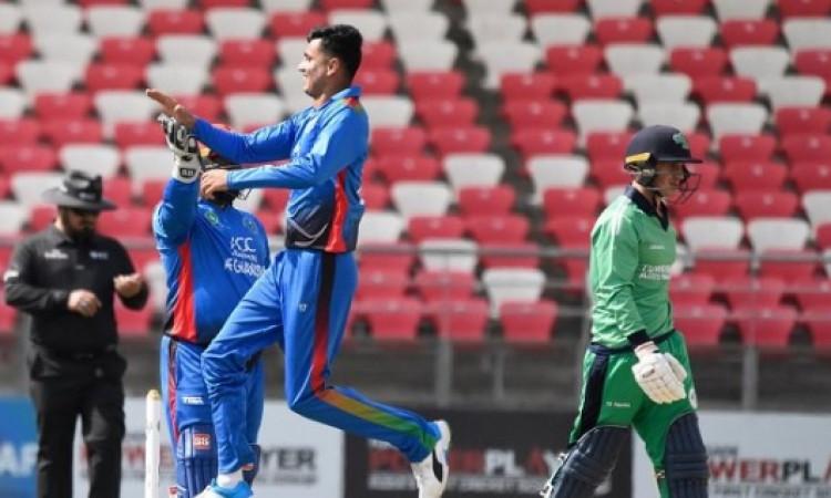 पहला वनडे, अफगानिस्तान बनाम आयरलैंड: मुजीब उर रहमान की गेंदबाजी का कहर, आयरलैंड की हालत खराब Images