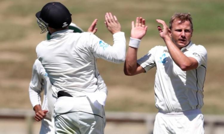 नील वेग्नर की घातक गेंदबाजी के सामने बांग्लादेश की पहली पारी में 234 रनों पर हुई ढ़ेर Images