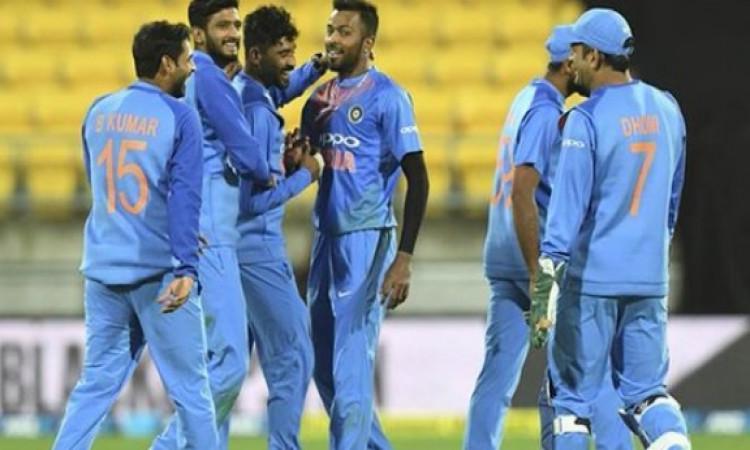 दूसरे टी-20 में टीम इंडिया में कोई बदलाव नहीं, क्रिकेट एक्सपर्ट हुए हैरान और कह रहे हैं ऐसी बातें Im