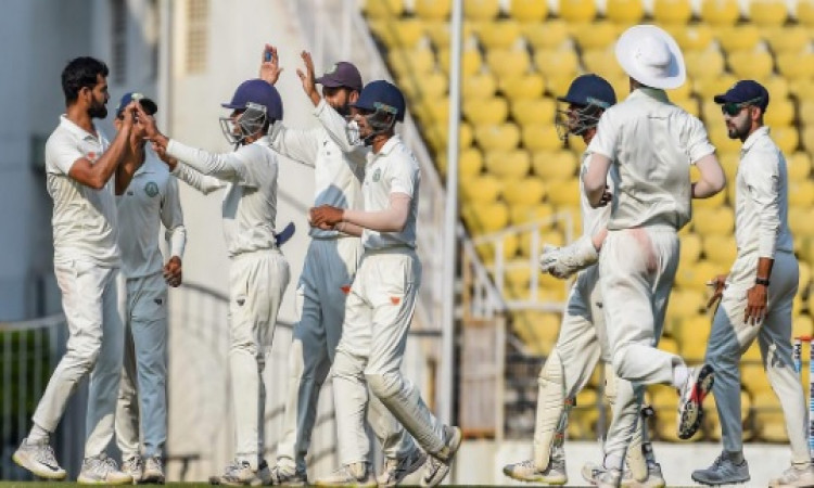 आदित्य सरवाटे की शानदार गेंदबाजी के दम पर विदर्भ की टीम बनी रणजी ट्रॉफी विजेता, सौराष्ट्र 78 रन से ह