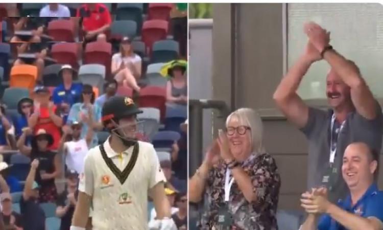 ऑस्ट्रेलियाई युवा कुर्टिस पेटरसन ने जमाया पहला शतक, स्टेडियम में मौजूद परिवार ने दिया ऐसा रिएक्शन Im