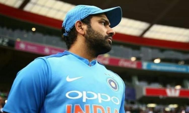 जीत के साथ ही रोहित शर्मा ने कप्तानी में किया कमाल, कोहली से कप्तानी के मामले में निकले आगे Images