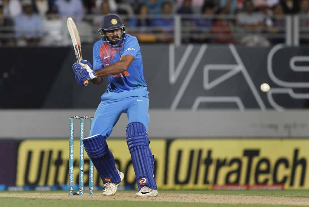 Vijay Shankar In Action During The Second T20I Images