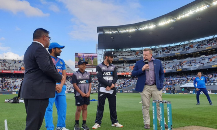 Unchanged New Zealand opt to bat in 2nd T20I Images