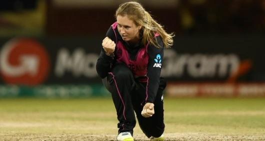 भारत के खिलाफ 3 टी-20 मैचों की सीरीज से बाहर हुई न्यूजीलैंड महिला क्रिकेटर बनार्डाइन बेजयुइडेनहाउट I