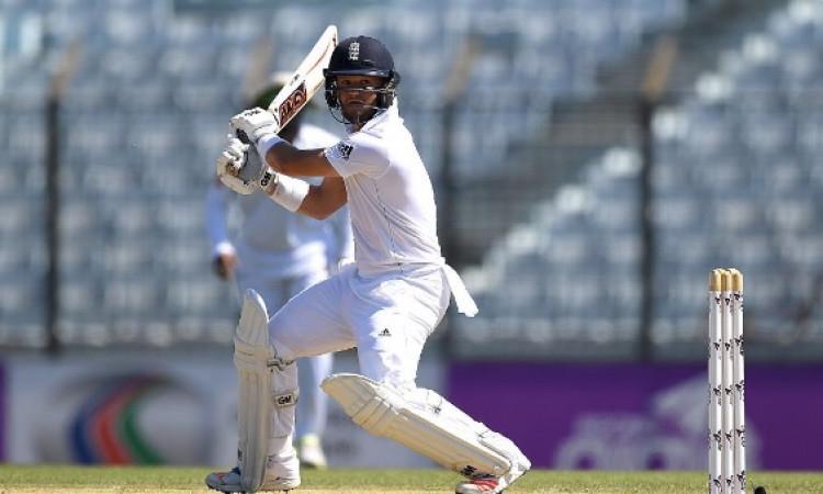 अनाधिकारिक टेस्ट में इंग्लैंड लायंस के बेन डकैट और सैम हेन का धमाका, पहले दिन बनाए 303 रन Images