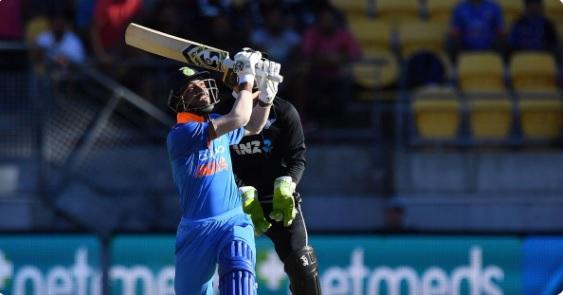 हार्दिक पांड्या ने 5 छक्के जमाकर वनडे में किया ऐसा अनोखा कारनामा जो सिर्फ महान एबी डीविलियर्स ही कर