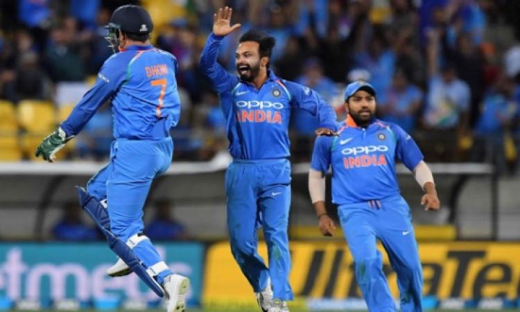पांचवें वनडे में भारत की 35 रन से धमाकेदार जीत, न्यूजीलैंड के खिलाफ वनडे सीरीज पर 4- 1 से कब्जा Imag