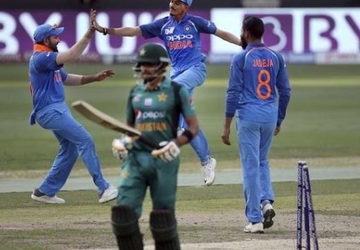 हरभजन सिंह का बयान, वर्ल्ड कप में पाकिस्तान के साथ मैच नहीं खेलने चाहिए भारत को Images