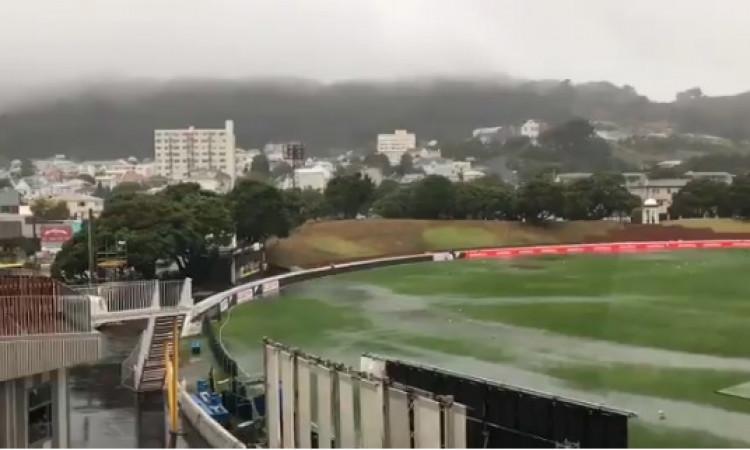 न्यूजीलैंड और बांग्लादेश, दूसरा टेस्ट: बारिश के कारण पहले दिन का खेल बारिश के कारण धुल  Images