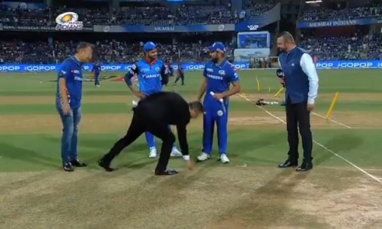 IPL 2019: मुंबई इंडियंस ने टॉस जीतकर पहले फील्डिंग करने का फैसला किया, देखिए प्लेइंग XI Images