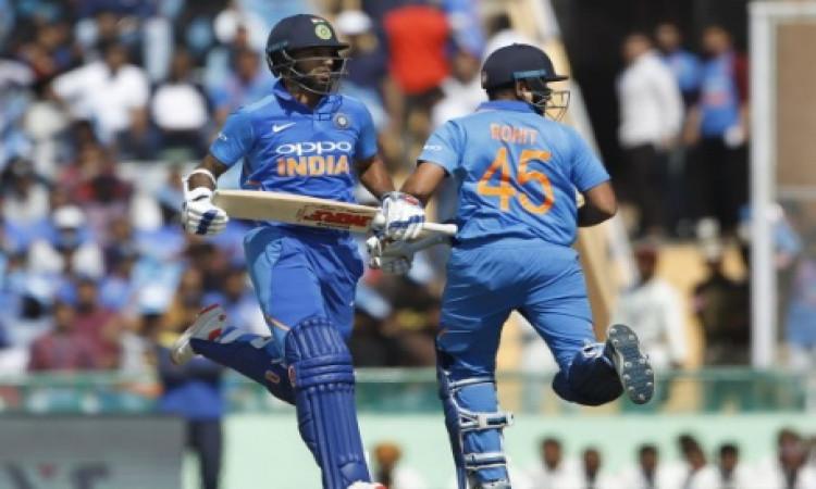 चौथे वनडे में शिखर धवन और रोहित शर्मा की जोड़ी का धमाका, भारत के लिए वनडे में मिलकर कर दिया ऐसा कमाल
