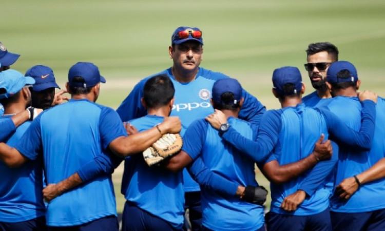 INDvAUS पहले वनडे से ऋषभ पंत बाहर, भारतीय प्लेइंग XI में चौंकाने वाले बदलाव Images