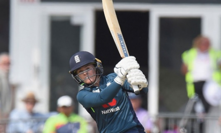 महिला क्रिकेट: टैमी बेयूमोंट की अर्धशतकीय पारी के दम पर इंग्लैंड ने भारत को दिया 161 रनों का टारगेट
