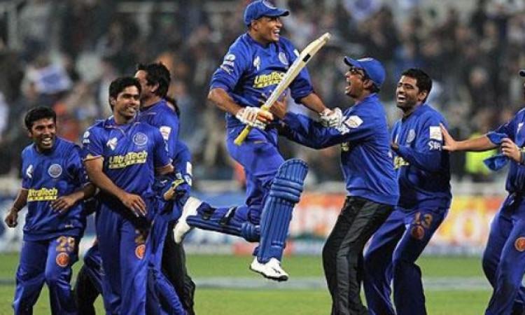आईपीएल फ्लैशबैक: आईपीएल इतिहास का पहला सुपरओवर, ऐसा था मैच का रोमांच Images
