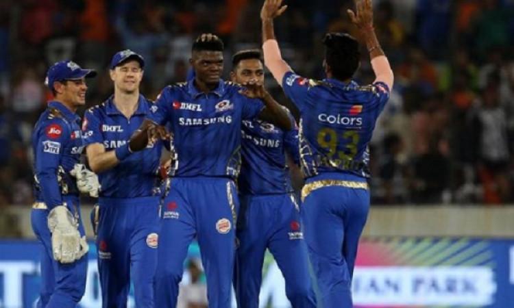 मुंबई इंडियंस टीम के लिए बुरी खबर, चोट की वजह से पूरे आईपीएल से बाहर हो सकता है यह खिलाड़ी Images