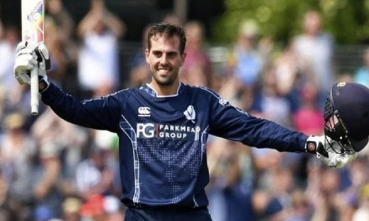 क्रिकेट में रचा गया इतिहास, इस बल्लेबाज ने केवल 25 गेंद पर ठोक दिया शतक, एक ओवर में 6 छक्के लगाकर कि