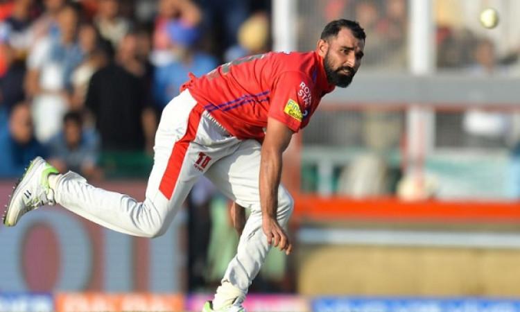 इस दिग्गज ने बताया, मोहम्मद शमी को दुनिया का सबसे बेहतरीन तेज गेंदबाज Images