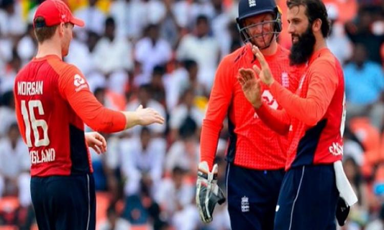 इंग्लैंड ने की वर्ल्ड कप के लिए टीम घोषित, इस दिग्गज को नहीं दी जगह Images