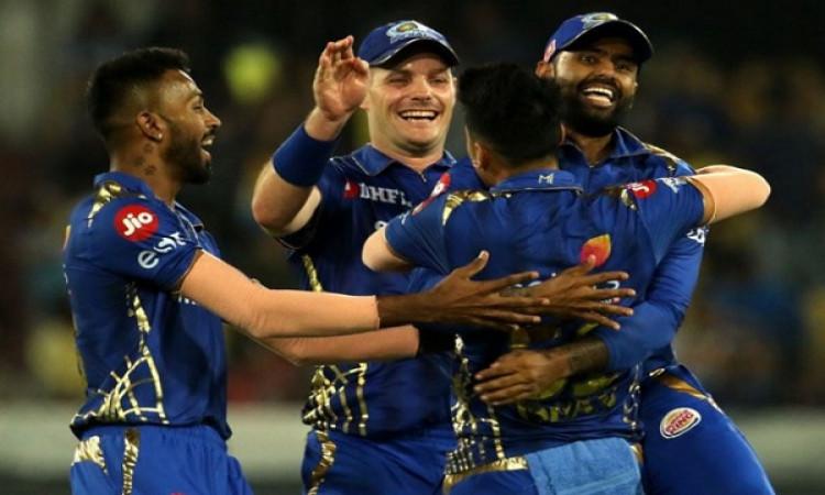 IPL 2019: आईपीएल के रोमांचक फाइनल में मुंबई इंडियंस ने चेन्नई को 1 रनों से दी मात, लसिथ मलिंगा ने कि