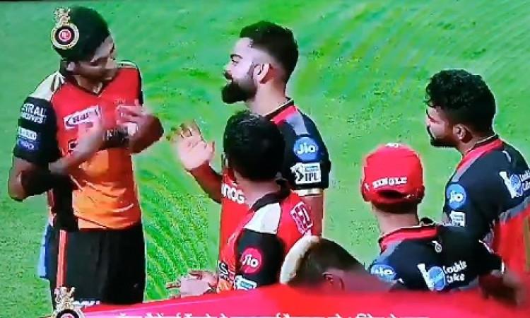 आईपीएल 2019 के प्लेऑफ में नहीं पहुंचने के बाद भी कोहली हुए खुश, कही ये बात Images