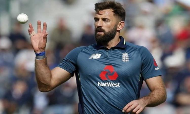 लियाम प्लंकेट पर लगा था पाकिस्तान के खिलाफ मैच में बॉल टैंपरिंग का आरोप, अब आईसीसी ने लिया यह फैसला