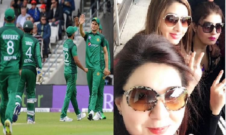 पाकिस्तान क्रिकेट बोर्ड ने लिया फैसला, पाकिस्तानी क्रिकेटर्स की वाइफ साथ यात्रा नहीं करेंगी Images