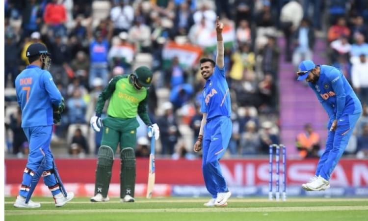 CWC19: भारतीय गेंदबाजों ने साउथ अफ्रीका को 227 रनों पर रोका, इन गेंदबाजों का दिखा कमाल Images