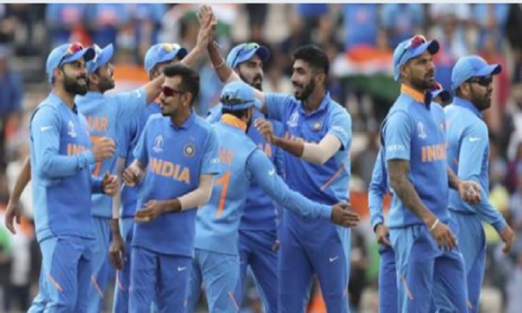 फील्डिंग कोच आर. श्रीधर की ख्वाहिश, भारतीय टीम वर्ल्ड कप जीतने के अलावा करें ऐसा खास काम Images