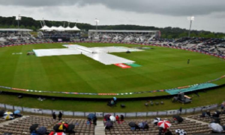 वर्ल्ड कप में बारिश के कारण मैच रद्द होने से कपिल देव निराश, पिचों को लेकर जताई चिंता Images