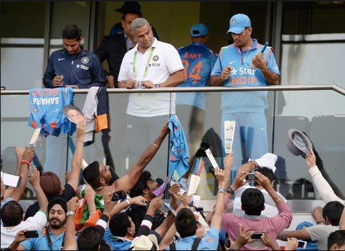Dhoni with fans