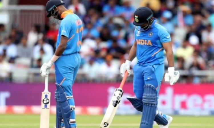 वेस्टइंडीज दौरे से धोनी और हार्दिक पांड्या बाहर, उनकी जगह इन खिलाड़ियों किया टीम में शामिल Images