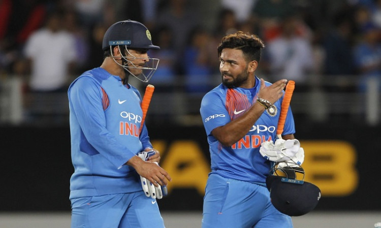 MS Dhoni and Rishabh Pant