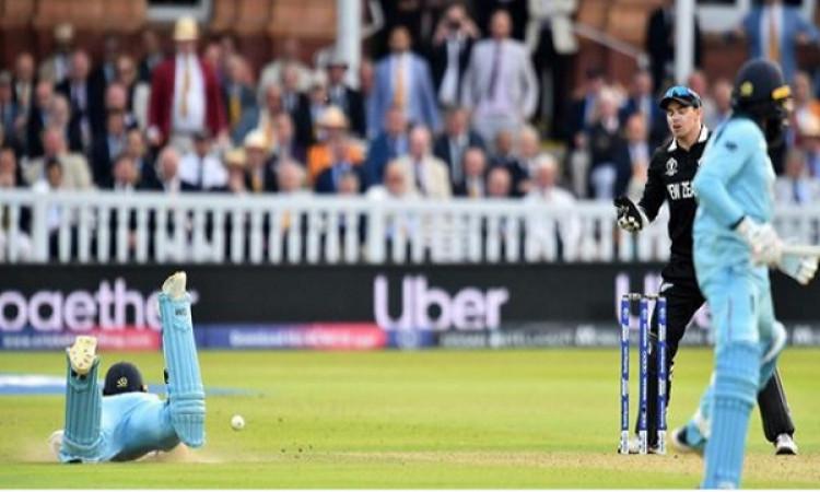 अम्पायरों का ओवरथ्रो पर 6 रन इंग्लैंड को देने पर भड़के पूर्व अंपायर, सीधे तौर पर कहा गलत हुआ Images