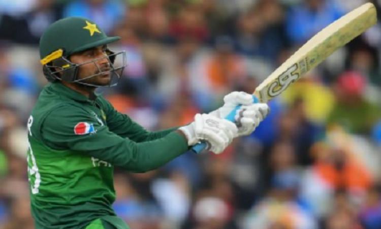 पाकिस्तान के विस्फोटक सलामी बल्लेबाज फखर जमान इस टी-20 लीग में खेलते हुए आएंगे नजर Images