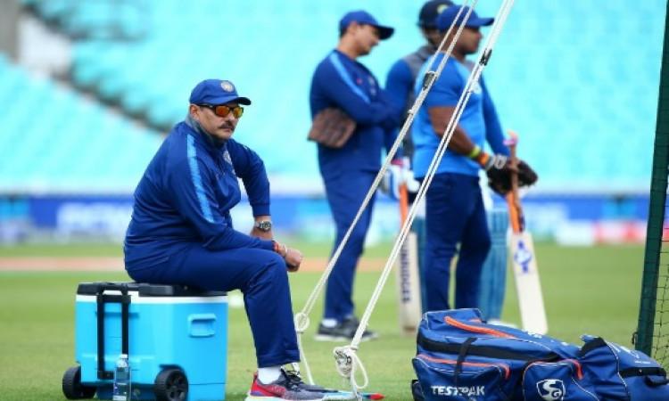 वर्ल्ड कप ना जीत पाने के तुरंत बाद बीसीसीआई ने कोचिंग स्टाफ के लिए मांगे आवेदन Images