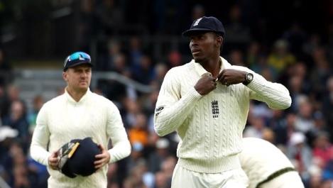 लीड्स टेस्ट में इंग्लैंड ने टॉस जीतकर पहले गेंदबाजी चुनी, देखिए प्लेइंग XI Images