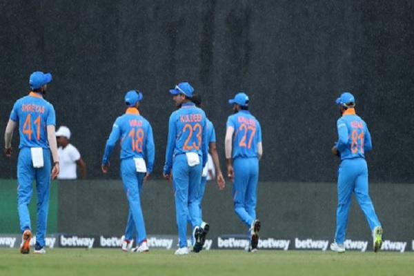 बारिश के कारण पहला वनडे मैच रद्द, केवल इतने ओवर का ही हो पाया खेल Images