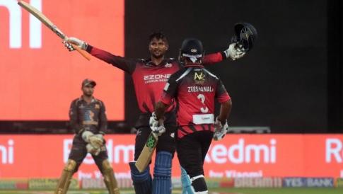 कृष्णप्पा गौतम ने केपीएल में खेली134 रन की पारी और चटकाए पूरे8 विकेट Images