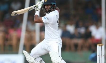 कोलंबो टेस्ट में वर्षा बाधित पहले दिन श्रीलंका के 2 विकेट पर 85 रन Images