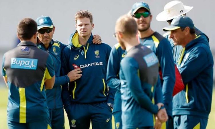 ऑस्ट्रेलियाई टीम को झटका, स्मिथ तीसरे टेस्ट से बाहर Images
