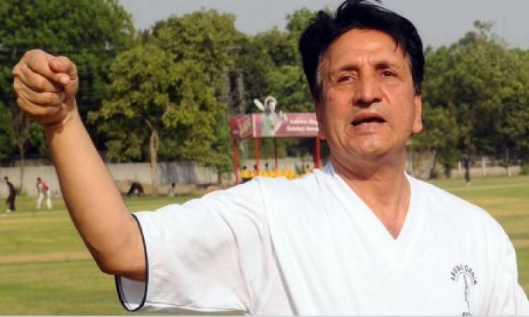 इमरान खान, वसीम अकरम ने अब्दुल कादिर को याद किया, लिखी ऐसी बातें Images