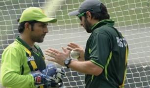 Afridi wants Sarfaraz to give up Test captaincy, focus on ODIs Images