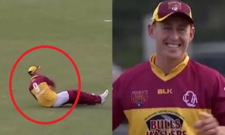 VIDEO फील्डिंग करते वक्त मार्नस लाबुशेन की पैंट उतर गई लेकिन फिर भी बल्लेबाज को करा दिया रन आउट Imag