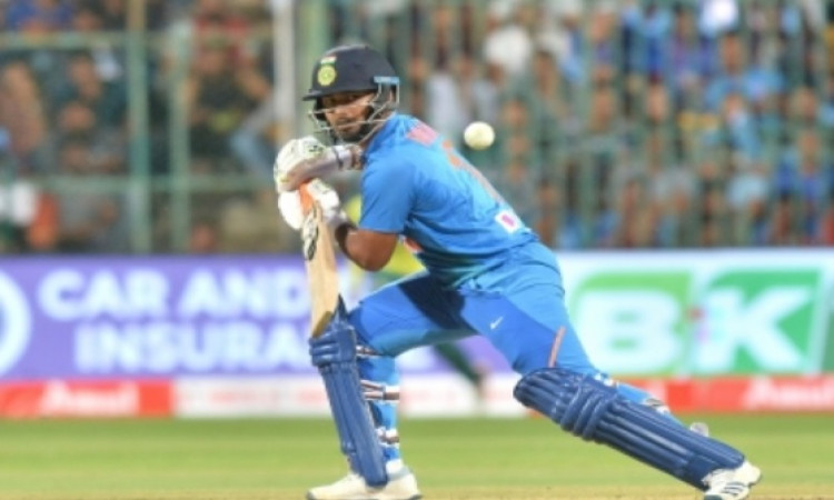 All eyes on Pant as he looks to fill Dhoni's shoes Images